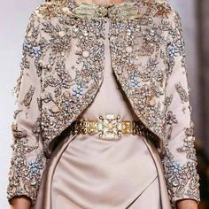 Elie Saab at Couture Spring 2017 Moda Fashion, Hijab Fashion, Runway Fashion, Fashion Dresses, Elie Saab Couture, Couture Details, Haute Couture Fashion, Spring Couture, Mode Inspiration