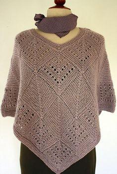 Foto af poncho i Greina Poncho Shawl, Knitted Poncho, Knitted Shawls, Ladies Cardigan Knitting Patterns, Knit Patterns, Crochet Blouse, Knit Or Crochet, Creative Knitting, Knit Art