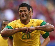 """Sem """"estrelas"""" ou """"animais"""", Brasil de Mano Menezes vence e convence"""
