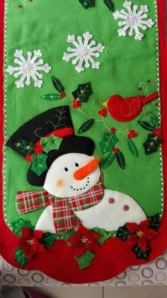 Best 12 Sweet table runner with appliqued snowman and cardinal Christmas Applique, Felt Christmas, Christmas Stockings, Christmas Crafts, Felt Decorations, Christmas Decorations, Christmas Drawing, Fall Crafts, Pumpkin Crafts