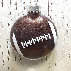 Personalized Football Ornament Live to Play by MadDashCreations(Diy Ornaments Monogram) Vinyl Christmas Ornaments, Clear Ornaments, Glitter Ornaments, Painted Ornaments, Christmas Balls, Christmas Diy, Spoon Ornaments, Christmas 2017, Handmade Christmas