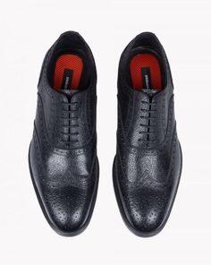 DSquared² Black Missionary Lace-ups for men Pep Guardiola Style, Dsquared2, Black Shoes, Oxford Shoes, Dress Shoes, Lace Up, Man Shop, Men, Fashion