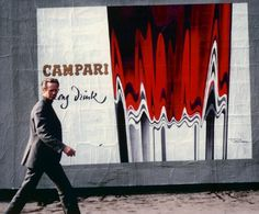 Roger Excoffon _ devant une affiche Campari, 1967