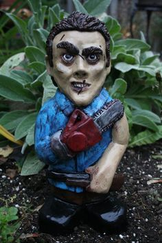 Spruce Up Your Garden with These Horror Film Lawn Gnomes!   Horror Society