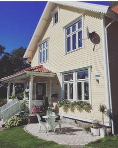 """650 gilla-markeringar, 11 kommentarer - Elin Nordström (@torpet125) på Instagram: """"Första konton ut i min sommar-sfs är @villa_stenasen  wow vilket hus och vilken välkomnande somrig…"""""""