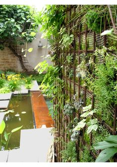 Jardini re rectangulaire haute et troite en acier corten for Idee amenagement jardin rectangulaire