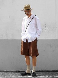 ✔︎ 清潔感のあるホワイトシャツに 太っちょグルカショーツを合わせて カジュアルダウン✔️ 白シャツ Midi Skirt, Skirts, How To Wear, Fashion, Moda, Fashion Styles, Midi Skirts, Skirt