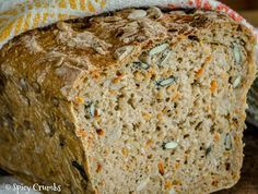 Celozrnný chléb se semínky a mrkví - Spicy Crumbs Low Carb Recipes, Cooking Recipes, Healthy Recipes, Bread Machine Recipes, Bread And Pastries, Banana Bread, Spicy, Good Food, Food And Drink