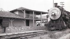 California History -- Monterey -- Monterey State Historic Park -- Old Custom House (built 1827)