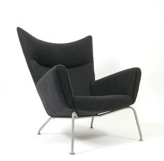 AreaNeo | Wing Chair Modell CH 445 from Hans J. Wegner  Carl Hansen & Son