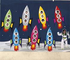 LOSPEQUESDEMICOLE: PERIODO DE ADAPTACIÓN Space Theme Classroom, Space Theme Preschool, Preschool Decor, Preschool Classroom, Classroom Decor Themes, Classroom Displays, Classroom Design, Sistema Solar, School Decorations