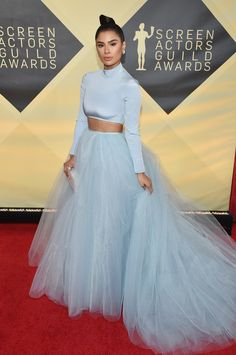 Saoirse Ronan Wears Louis Vuitton to the 2018 SAG Awards