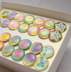DIY Easter pushpins. Made with epoxy stickers and scrapbook paper.