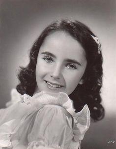 Young elizabeth taylor-1941-age-10