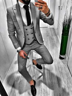 Discover the details that make the difference of the best unique people with a lot of Suit Fashion, Retro Fashion, Fashion Outfits, Fashion Tips, Fashion Styles, Leggings Mode, Leggings Fashion, Blue Jeans, Old Fashion Cocktail Recipe