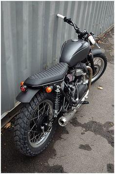 Custom Kawasaki W650 by Wrenchmonkees