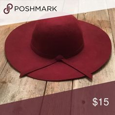ea21e37550c9c Maroon Hat Worn once. Doesn t quite fit right on me. Accessories Hats.  Sombreros