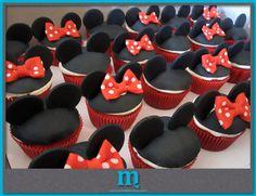 #minnie and mickey cupcakes