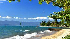 Quem pensa que Ilhabela é só aventura está muito enganado! Lá, é possível encontrar boa gastronomia e muito agito nos clubes das praias que se enchem ao entardecer e contam com banhos de piscina e DJ's. Veja algumas atrações e pontos turísticos de Ilhabela!