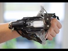 35 Cool DIY Gadgets You Can Make To Impress Your Friends DIY gadgets and cool projects to make to impress friends (or yourself) Easy electronics, tech toys and fun lights, toys, arduino gadget ideas with tutorial. Apocalypse Survival, Survival Gear, Survival Skills, Zombie Apocalypse, Survival Weapons, Survival Clothing, Zombie Weapons, Tactical Survival, Wilderness Survival