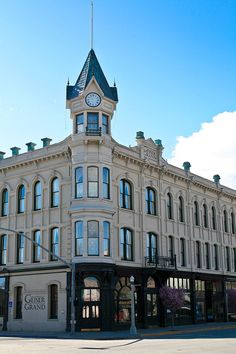 The Geiser Grand Hotel In Baker City Oregon Is One Of State S Many Reportedly