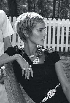 Isabel Lucas – Actress – Vogue Australia, December 2013 Related posts: Hair Style Hair envy! Medium Hair Cuts, Short Hair Cuts, Pixie Cuts, Pixie Hairstyles, Cool Hairstyles, Haircuts, Woman Hairstyles, Hair Inspo, Hair Inspiration