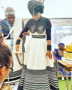 Traditional wedding day! #yolisha1 in beautiful traditional Xhosa regalia. #ziwelene #southafricanwedding #traditionalwedding #xhosabride…