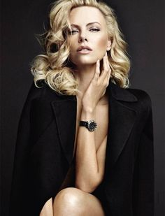 Charlize Theron Is Really Enjo. is listed (or ranked) 13 on the list The 40 Hottest Charlize Theron Photos of All Time World Most Beautiful Woman, Beautiful People, Portrait Photography, Fashion Photography, Glamour Photography, Charlize Theron Photos, Studio Portraits, Studio Photos, Female Portrait