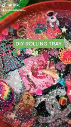 Diy Resin Projects, Diy Resin Crafts, Diy Crafts Hacks, Diy Crafts For Gifts, Diy Arts And Crafts, Summer Crafts, Crafts To Do, Diy Resin Tray, Neon Crafts