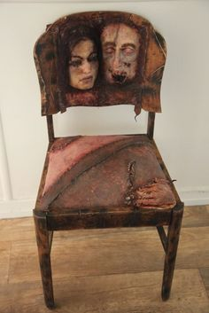Ed Gein, Human skin made chair Martha Stewart Patio Furniture, Police, Real Monsters, Horror House, Texas, Serial Killers, True Crime, Wood Carving, Scary