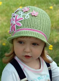 Creative DIY Adorable Crochet Flower Hats for Little Girls #crochet #hat #pattern #kids