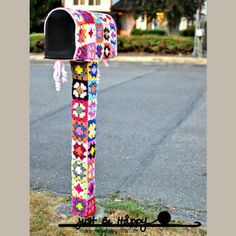 Boîte aux lettres recouverte de crochet Yarn Bombing par Just Be Happy Life