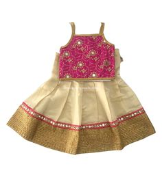 Kids pattu langa Kora pink and sandal Kids Dress Wear, Dresses Kids Girl, Kids Outfits, Baby Dresses, Kids Wear, Spring Outfits, Baby Lehenga, Kids Lehenga, Baby Girl Birthday Dress