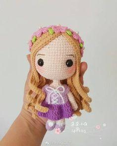 Duo Duo Xiao Q - Big Head Princess - Rapunzel - Chinese Kawaii Crochet, Crochet Disney, Cute Crochet, Knitted Dolls, Crochet Dolls, Crochet Hats, Crochet Doll Pattern, Crochet Patterns, Crochet Princess