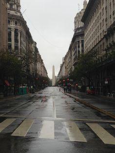El Obelisco, desde la Avda. Pte. Roque Saenz Peña ( Diagonal ) Buenos Aires, Argentina