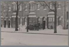 1942. A raid by detectives on a building at the Nieuwe Achtergracht in Amsterdam during the German occupation. Photo Stadsarchief Amsterdam / Bart de Kok. #amsterdam #1942 #worldwar2 #NieuweAchtergracht