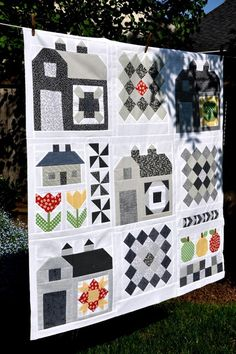 Quilty Barn Along by Pleasant Home, via Flickr.  Lori Holt patter interpreted by Jody.  Nice. Like the black and gray
