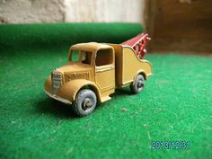MATCHBOX LESNEY 1950s BEDFORD BREAKDOWN TOW RECOVERY TRUCK VINTAGE DIE CAST TOY - http://www.matchbox-lesney.com/?p=18039