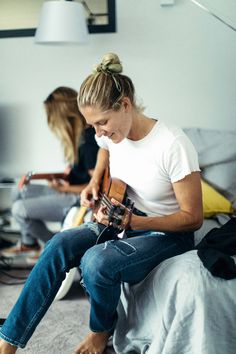 Steph and LeeAnn jamming at the ROXY house #ROXYpro France