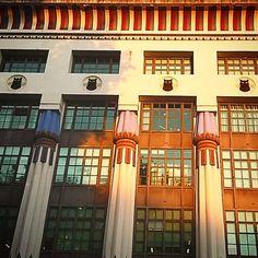 #morningsunrise at #morningtoncrescent ... #egyptian #artdeco glory!