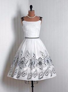 Estilo: Los vestidos vintage de los años 50 ❤️❤️