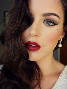 classic makeup looks ; classic makeup looks for brown eyes ; classic makeup looks vintage ; Glam Makeup, Red Lip Makeup, Party Makeup, Hair Makeup, Eye Makeup, Bridal Makeup Red Lips, Makeup Style, Red Lips Wedding, 1920 Makeup