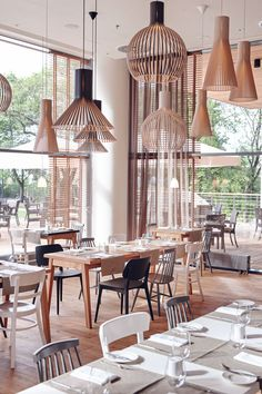 Mera Brasserie (Poland), International restaurant (like the mix and match chairs) Cafe Bar, Cafe Bistro, Bar Interior, Restaurant Interior Design, Interior Office, Deco Design, Cafe Design, Restaurant Bar, Restaurant Lighting