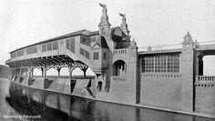 """Bahnhof der Hochbahn """"Hallesches Thor"""".  Architekten: Solf & Wichards in Berlin."""