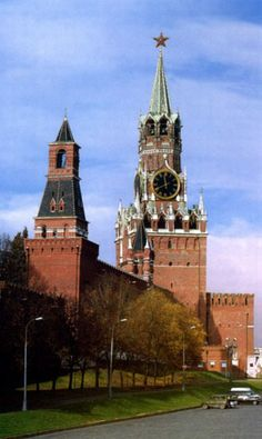 Moscow Kremlin in autumn. #Russia