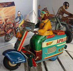#Antique Tin# Yonezawa STS Apollo Vespa Pigeon Scooter Motorcycle Tippco Triang | eBay