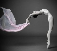 Contortion, dance, cirque, theatre.