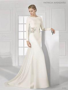 18 - vestido de noiva justo em evase com bordado de flor de patricia avendano 2016