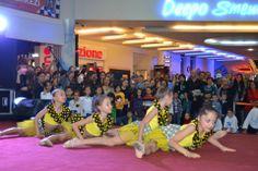 Dostluk Şenliği Eğlenceli Etkinliklerle Devam Ediyor!  Antalya'nın en büyük outlet alışveriş merkezi Deepo Outlet Center, bu yıl dördüncüsünü düzenlediği Türk, Rus ve Ukrayna Kültürleri Dostluk Şenliği Uluslararası Moskova Okulu ve Bahçeşehir Koleji etkinlikleri ile devam etti.