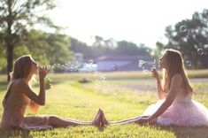Best way to take a picture with your best friend:) love this idea!!!!!!!!!!!!!!!